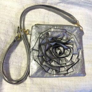 🎀SAX - metallic silver Rose front crossbody purse